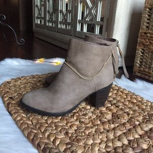SM New York Ankle Booties Sz 7